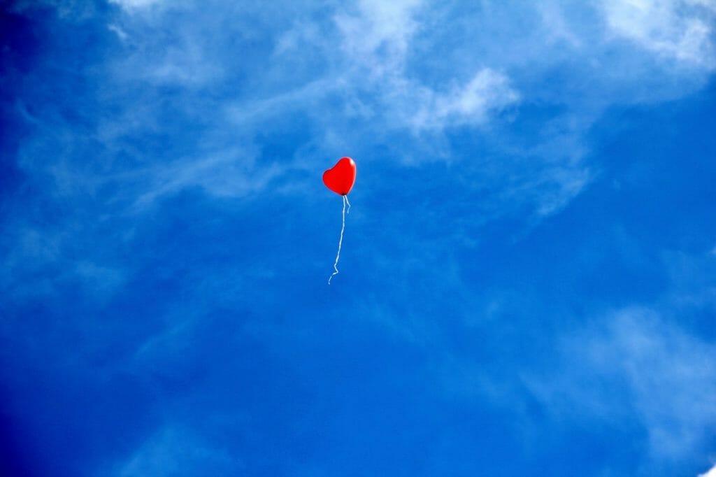 ハート形の風船